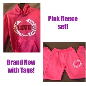 NWT! Fleece hoodie sweatshirt and sweatpants set!